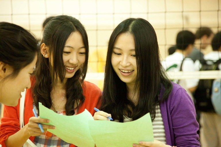 should chinese student study abroad Disadvantages of studying abroad everyone knows that chinese people are i am sure many aspiring students who wanted to go abroad and study there will benefit.